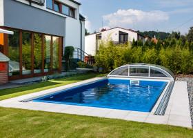 Schwimmbecken aus GFK